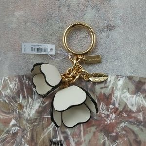 New with tag coach tea rose key fob charm ring